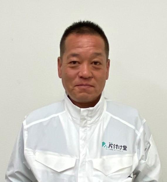 倉吉市の不用品回収の担当者の写真