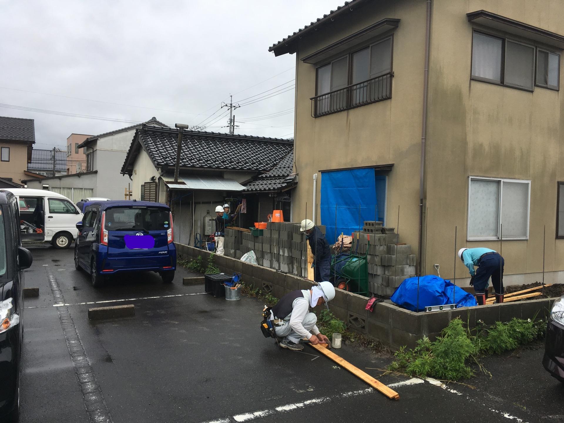 1.10.1_松江市・出雲市・雲南市・米子市のエクステリアは片付け堂!!目隠し用のブロック塀設置工事が完了しました!! |不用品|解体|島根・鳥取